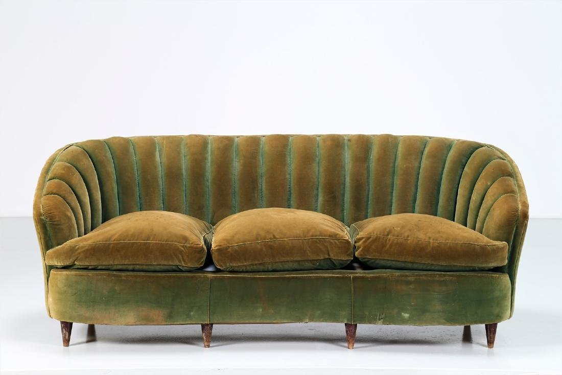 OSVALDO BORSANI Wood and fabric sofa, 1940s. - 2