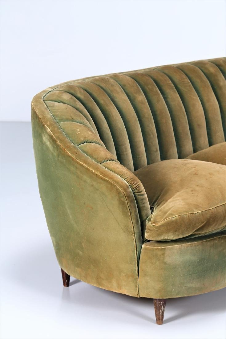 OSVALDO BORSANI Wood and fabric sofa, 1940s. - 3