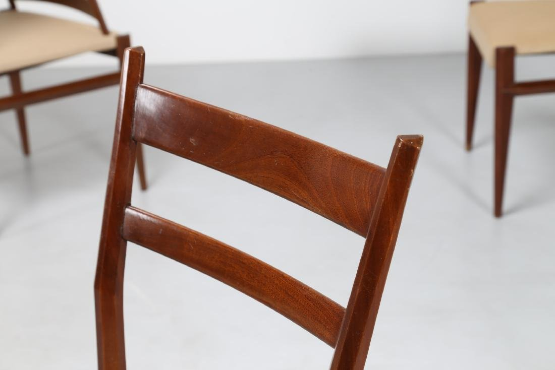 GIULIO MOSCATELLI Six walnut and fabric chairs by - 4