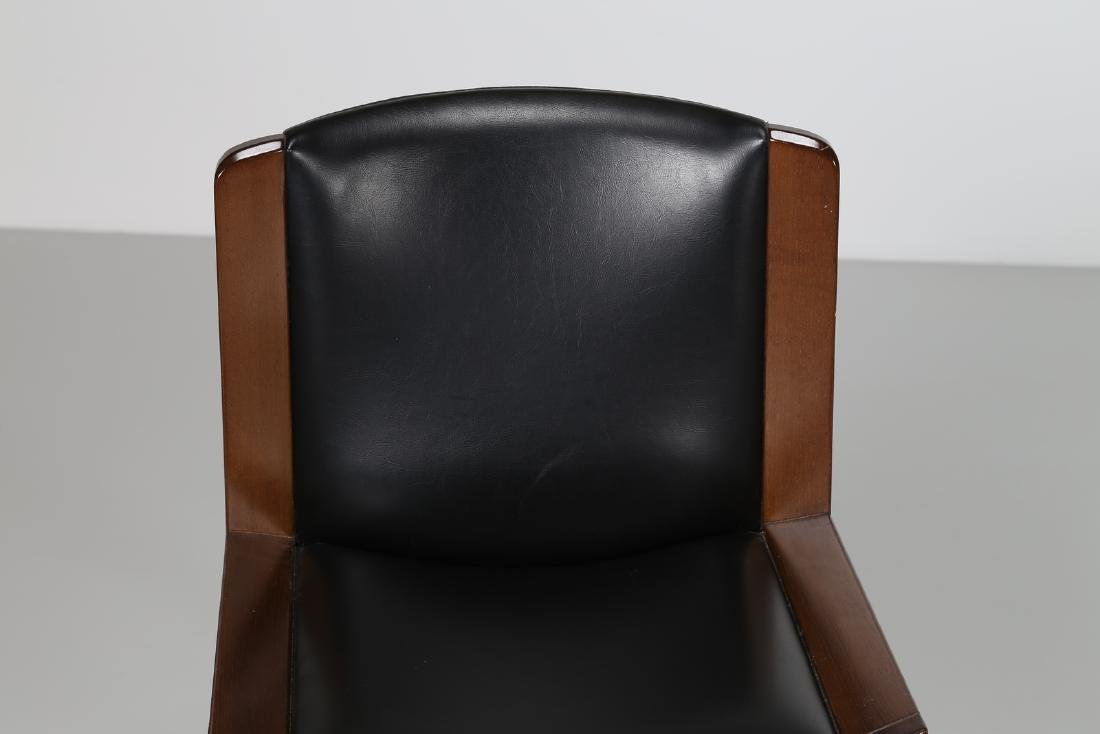 JOE COLOMBO Four walnut and leather chairs, model 300, - 5