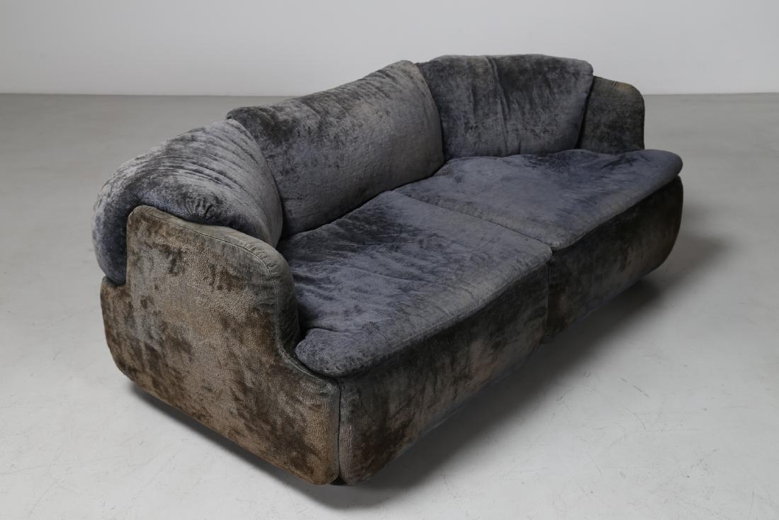 ALBERTO ROSSELLI Living room suite comprising - 2