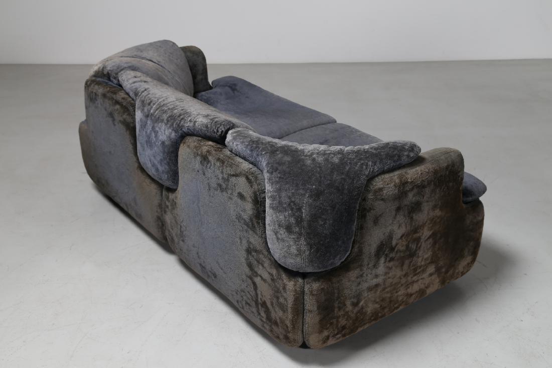 ALBERTO ROSSELLI Living room suite comprising - 4