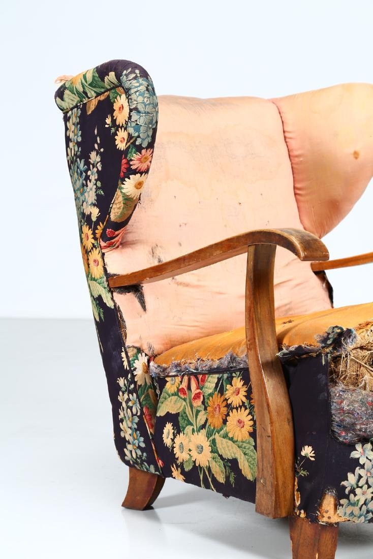 MELCHIORRE BEGA Wood and fabric armchair, 1940s. - 3