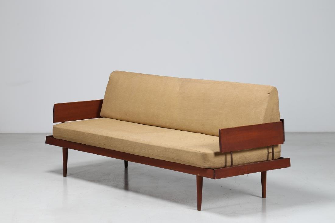 PETER HVIDT E ORLA MØLGAARD-NIELSEN  Three-seater sofa
