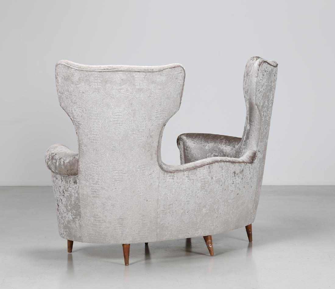 MAURIZIO TEMPESTINI Wood and fabric sofa, 1940s. - 3