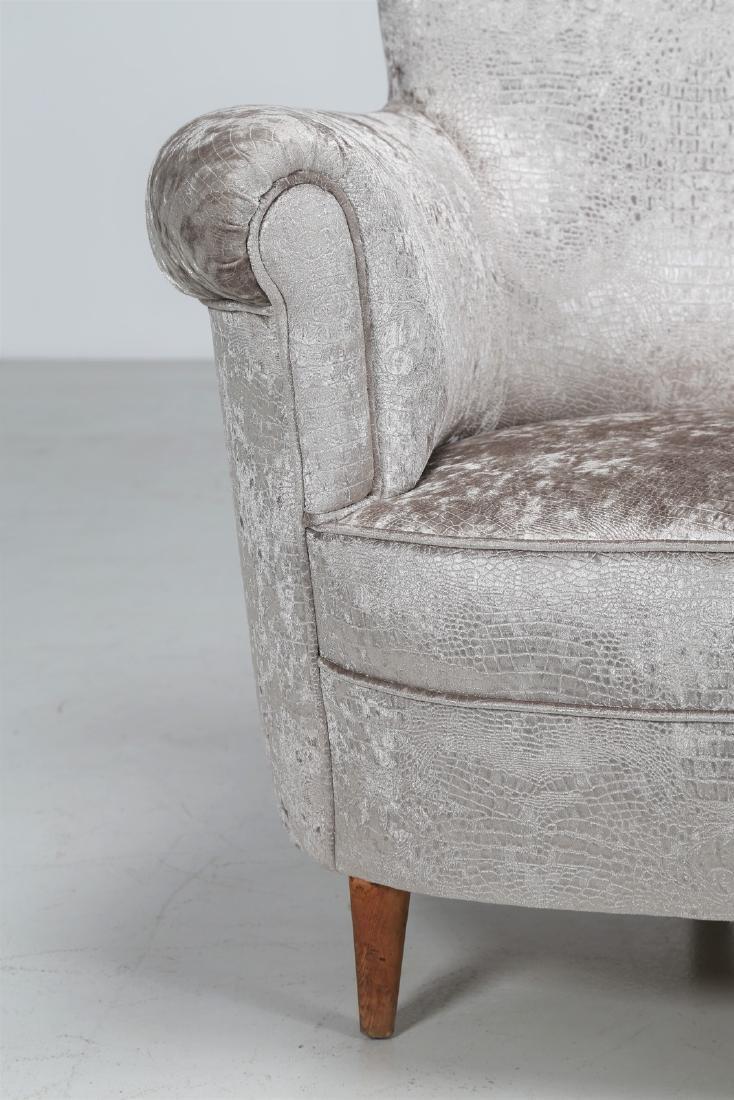 MAURIZIO TEMPESTINI Wood and fabric sofa, 1940s. - 4