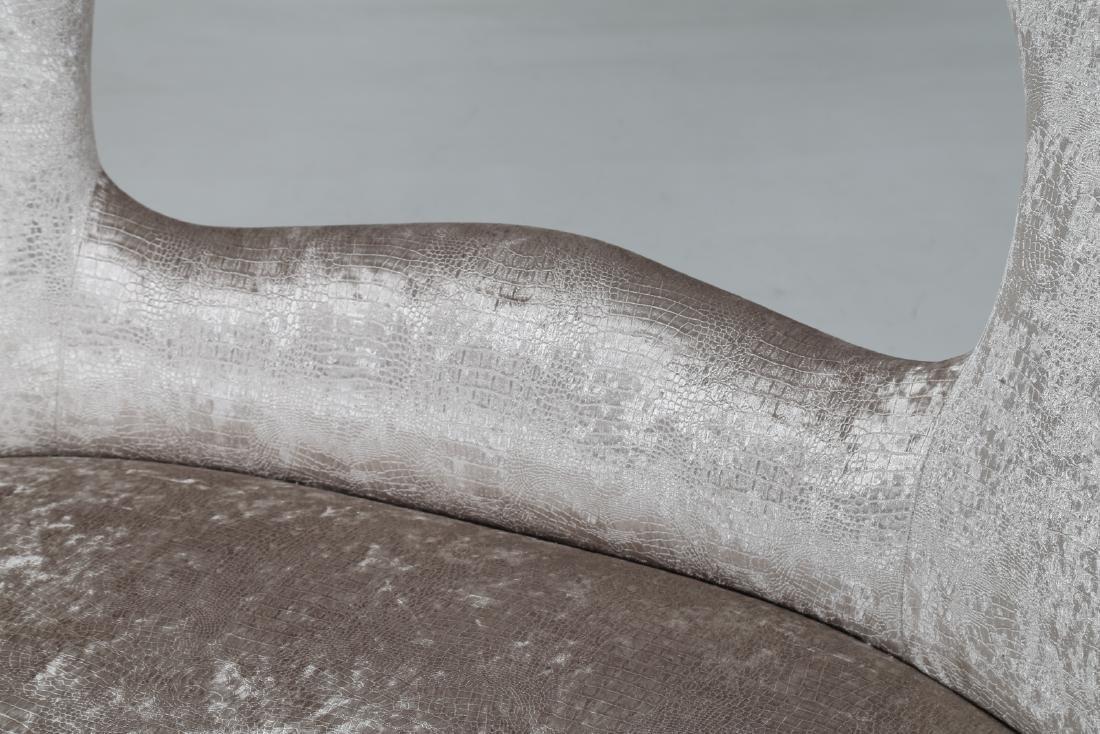 MAURIZIO TEMPESTINI Wood and fabric sofa, 1940s. - 7