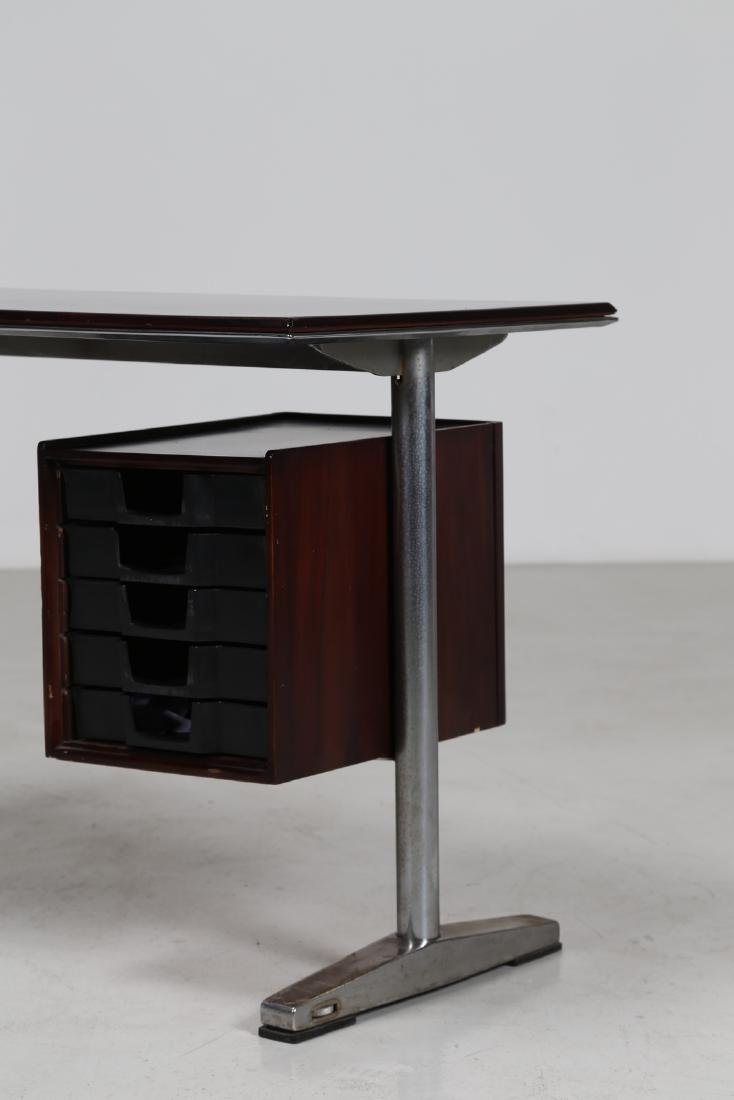 MANIFATTURA ITALIANA  Wood and aluminium desk, 1960s. - 2