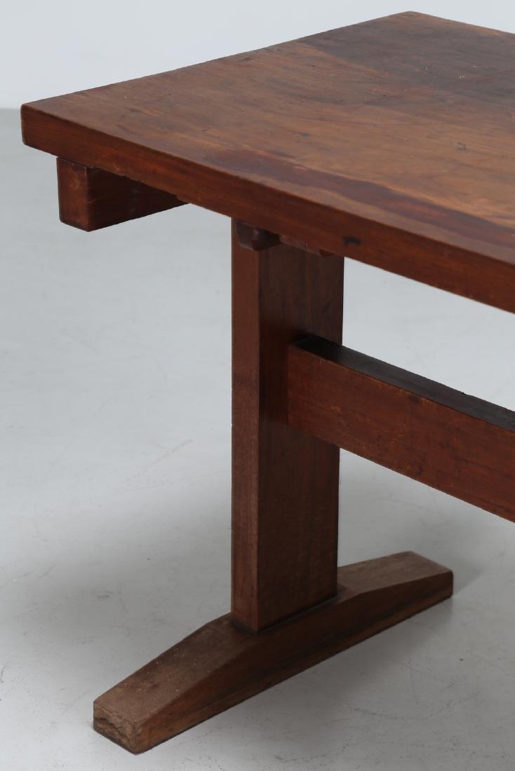 GIOVANNI MICHELUCCI Distinctive chestnut table, 1950s. - 4