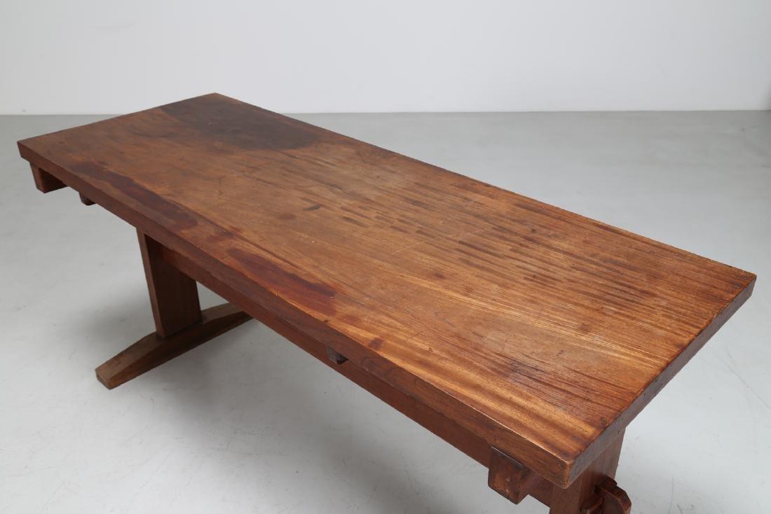 GIOVANNI MICHELUCCI Distinctive chestnut table, 1950s. - 5