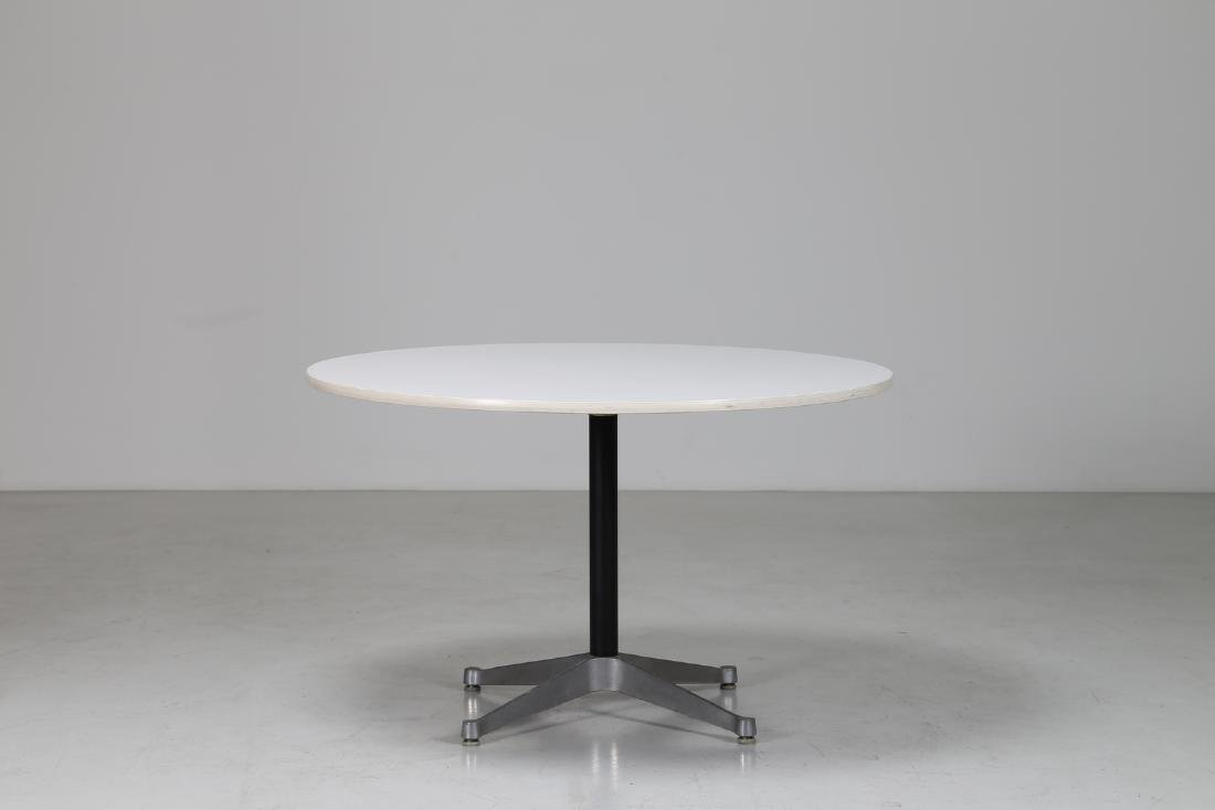 CHARLES & RAY EAMES  Round table in metal and laminate