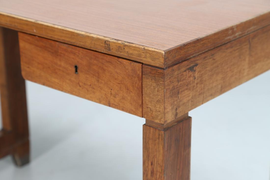 GIOVANNI MICHELUCCI Distinctive wood and Formica desk. - 4