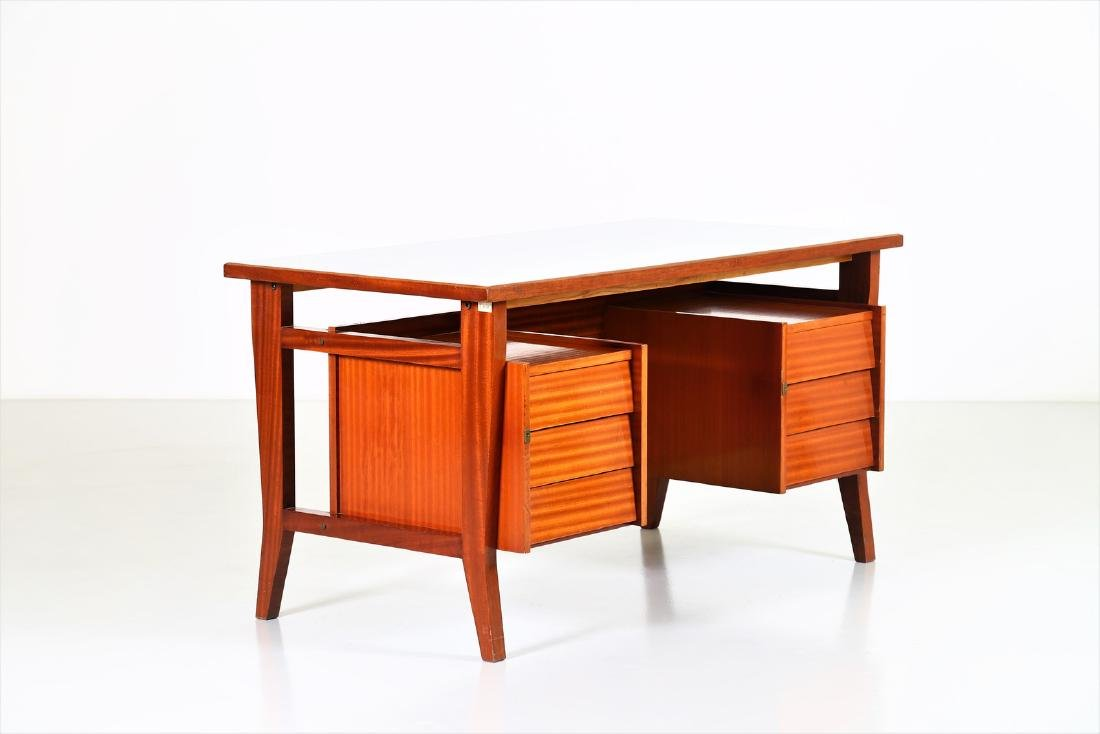 GIO' PONTI Mahogany desk with Formica top by Schirolli,
