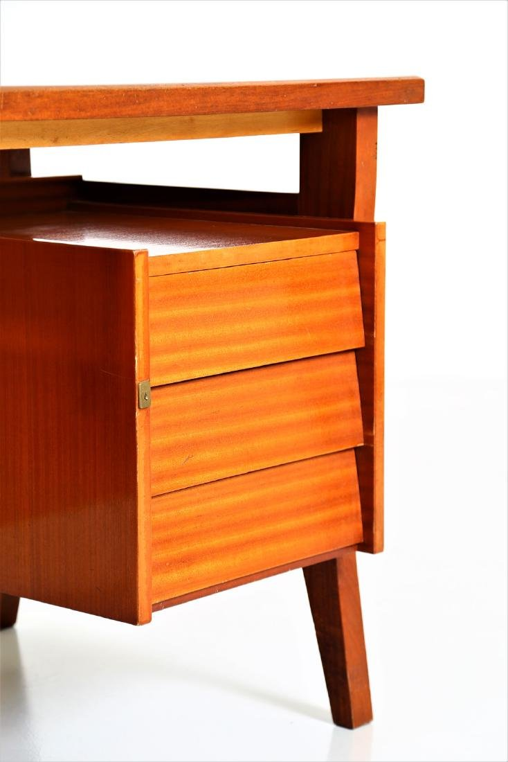 GIO' PONTI Mahogany desk with Formica top by Schirolli, - 3