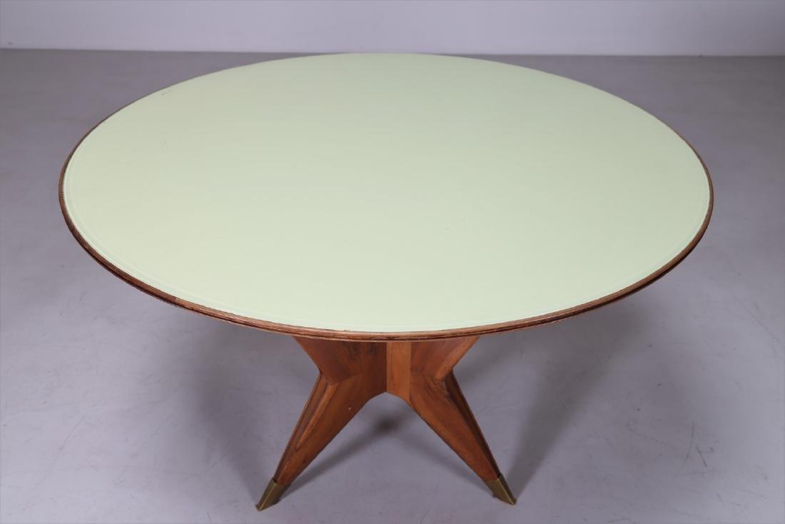 MANIFATTURA ITALIANA  Round table in walnut, brass and - 7