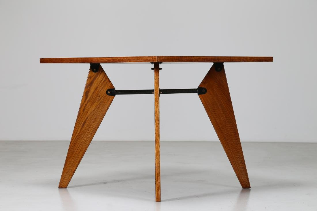 MANIFATTURA FRANCESE  Square table in oak and lacquered