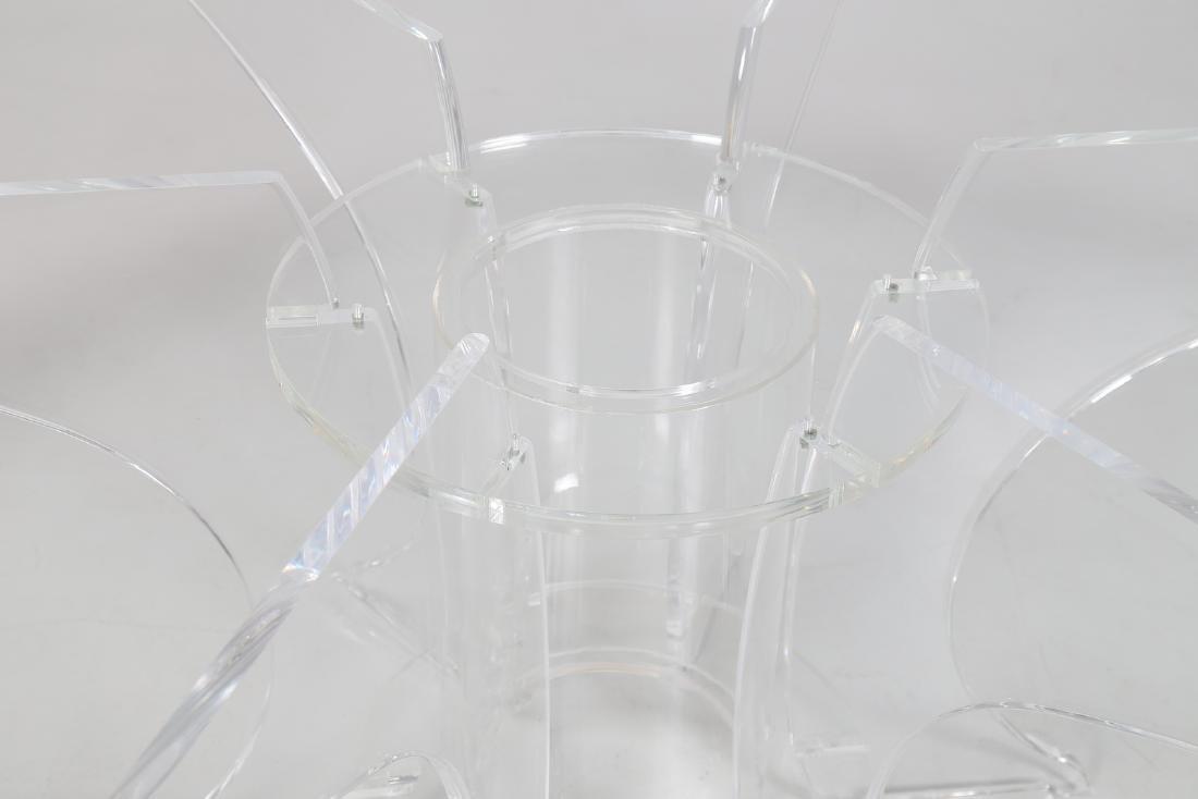 LUCIANO  DI PILLA Round plexiglass table with glass top - 5