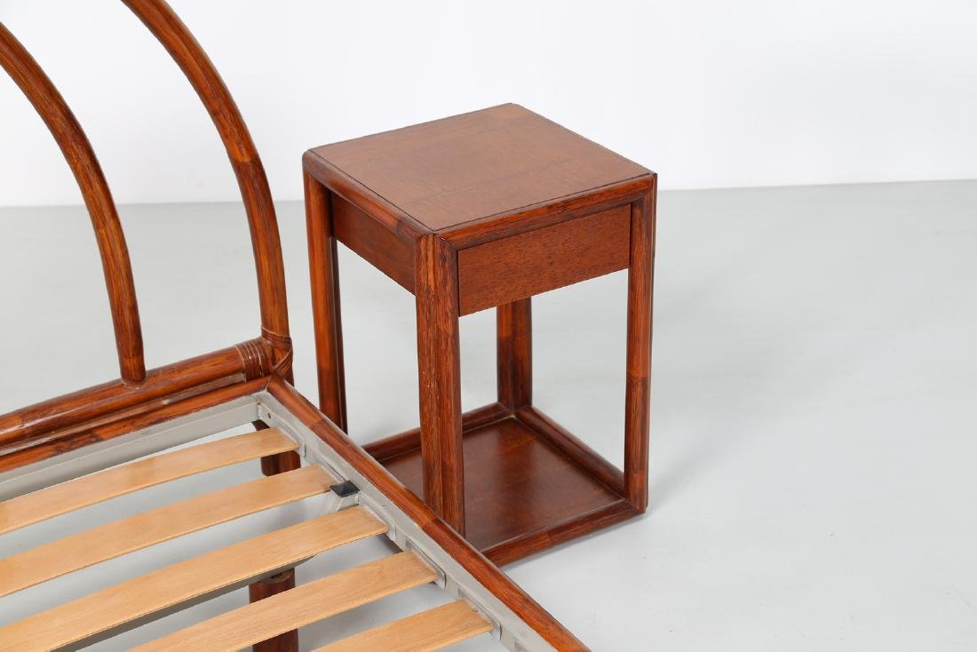BONACINA 1889 Bamboo bed frame and two bedside tables. - 5
