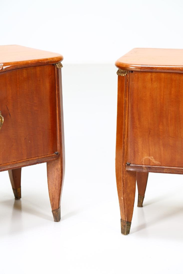 TOMASO BUZZI Pair of wood and brass bedside tables, - 2