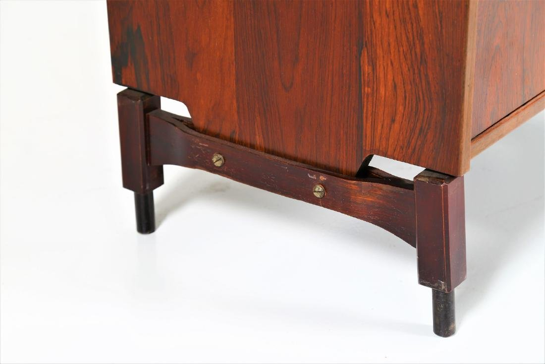 CLAUDIO SALOCCHI Pair of rosewood wall units by - 9