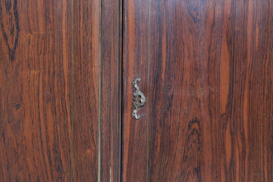 OSVALDO BORSANI Wall unit in rosewood, gilded carved - 3