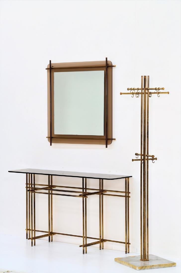 ZEVI INTERNATIONAL Console, mirror and coat rack.