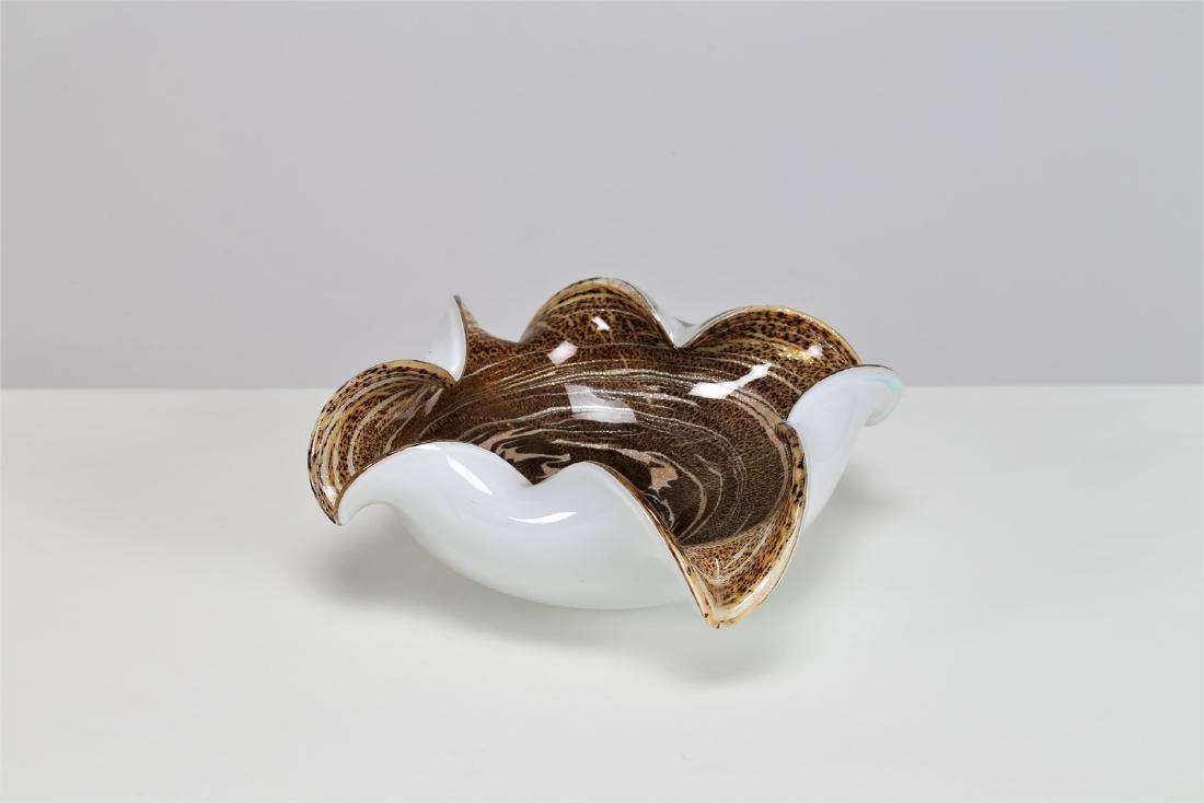 MANIFATTURA MURANO Milk glass bowl decorated inside