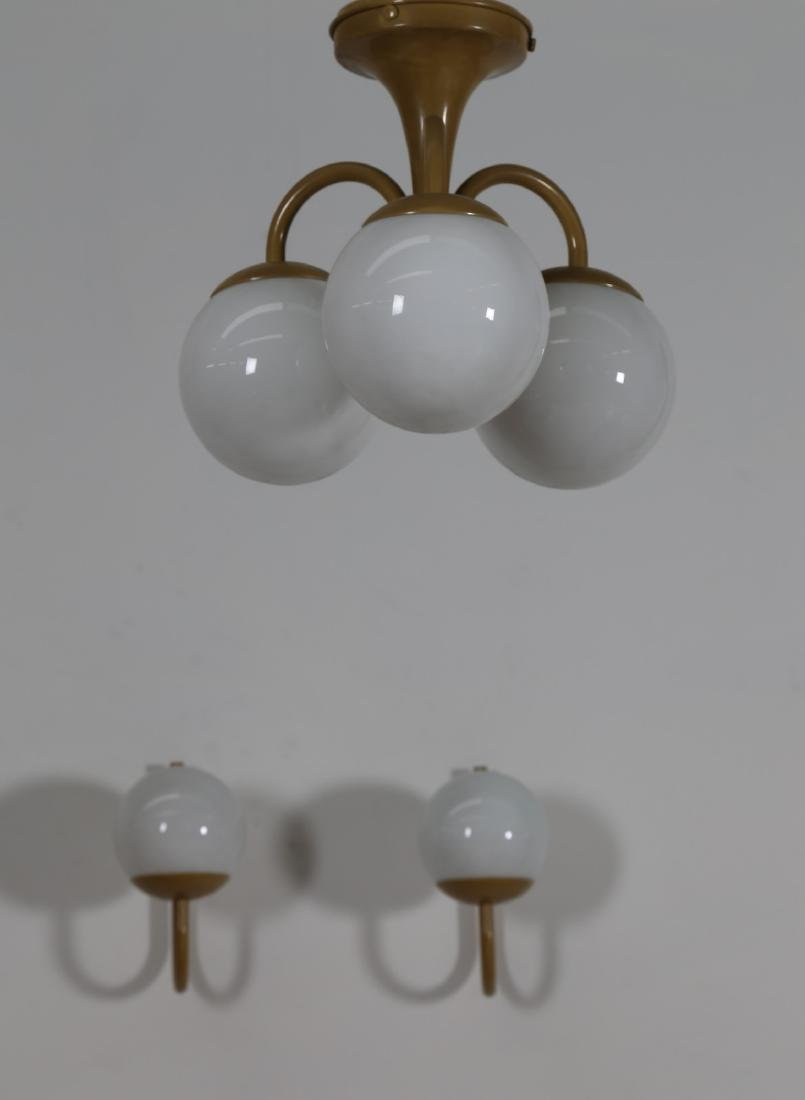 LAMTER  Chandelier and two wall lamps in lacquered