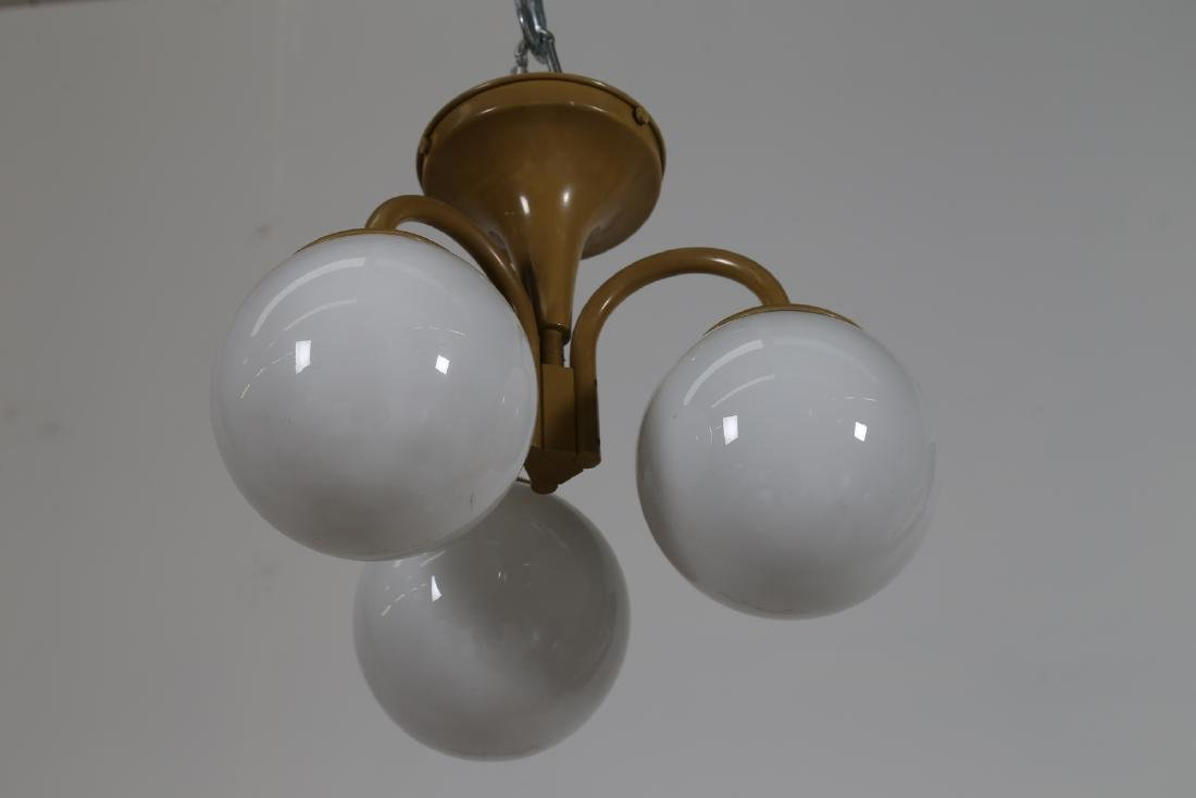 LAMTER  Chandelier and two wall lamps in lacquered - 3