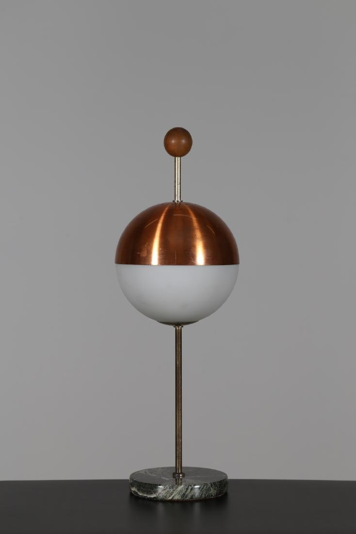 MANIFATTURA ITALIANA  Brass and wood lamp with marble