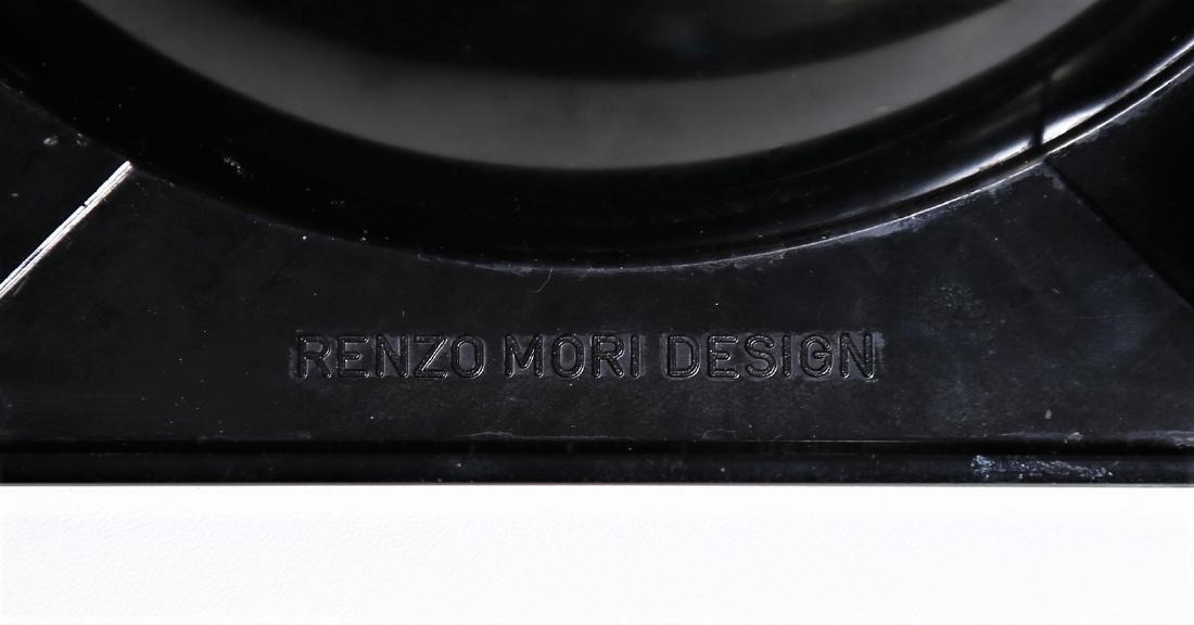 RENZO MORI Plastic ashtray with wheels, 1970s. - 2
