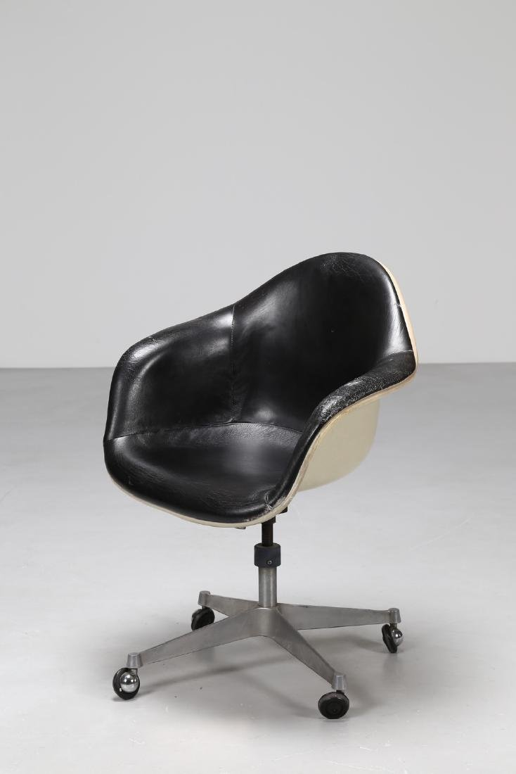 CHARLES ERMAN MILLER Swivel chair in leather, metal and