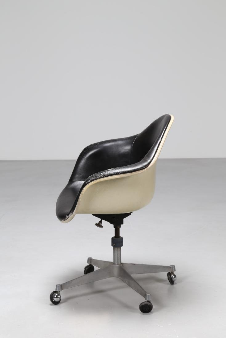 CHARLES ERMAN MILLER Swivel chair in leather, metal and - 2