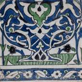 Arte Islamica  A Damascus tile painted with arabesque