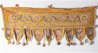 Arte Indiana Five embroidered textiles Various periods