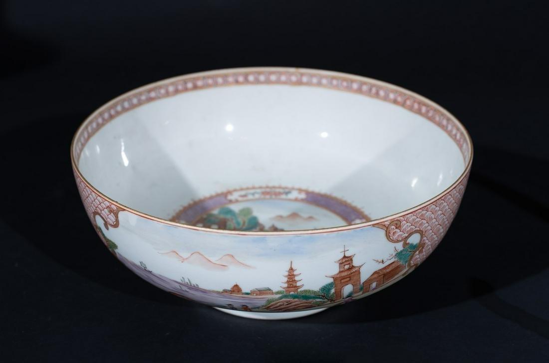 Arte Cinese  A famille rose porcelain export bowl
