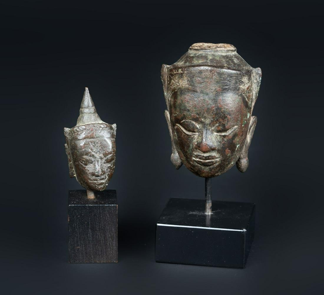 Arte Sud-Est Asiatico  Two bronze heads of Buddha