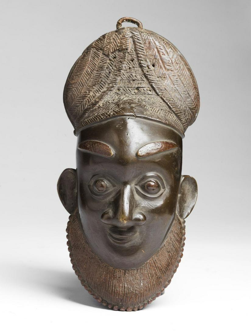 Arte africana  Bronze mask, Bamum (?)Cameroon.