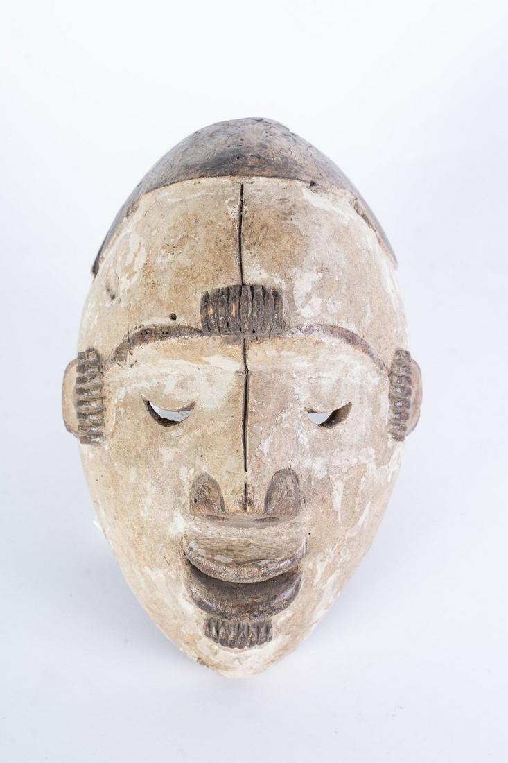 "Arte africana  ""White girl†mask okoroshi oma, Ibo"