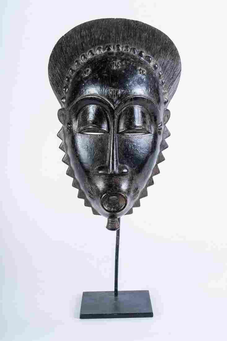 Arte africana  Portrait mask, BauleIvory Coast.