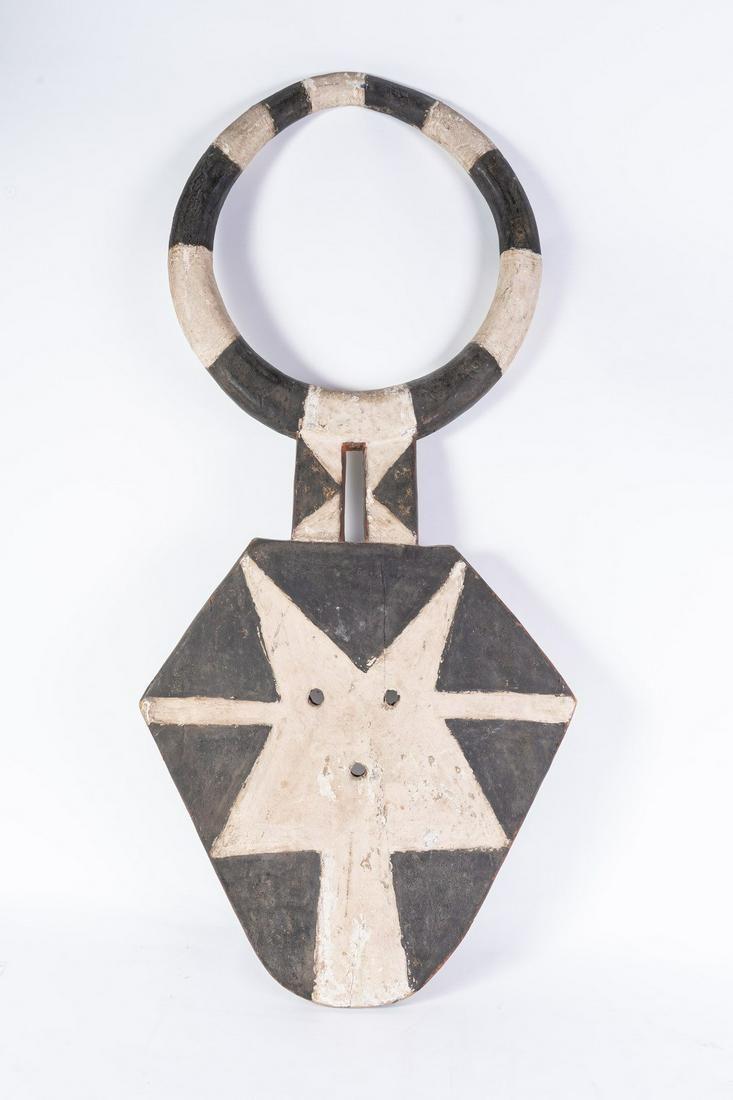Arte africana  Bedu mask, Nafana, Kulango or DeghaIvory