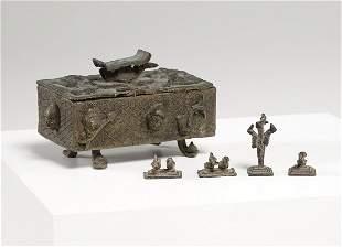 Arte africana  A bronze box and weights, AshantiGhana.