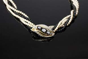 PIERRE CARDIN Torchon necklace with strings of black