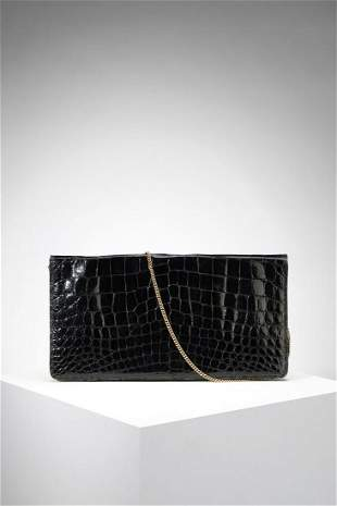 AUTORE NON IDENTIFICATO Clutch bag in black crocodile