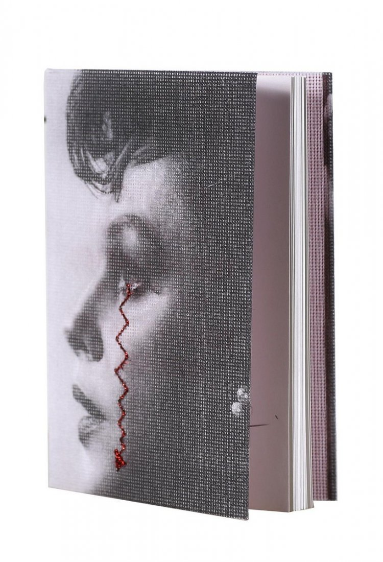 VEZZOLI FRANCESCO (n. 1971) - Vincente Minelli embroide
