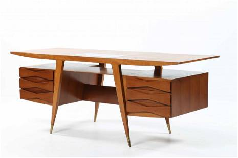 PONTI GIO' (1891 - 1979) Impressive desk.