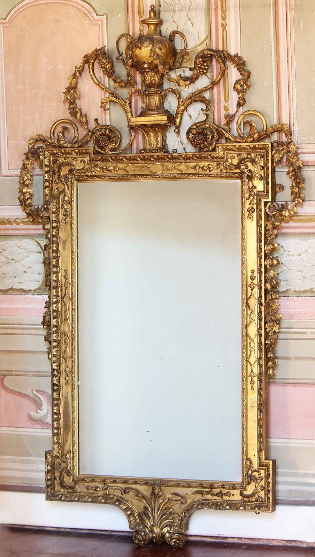 MANIFATTURA LUCCHESE DEL XIX SECOLO  Wall mirror with