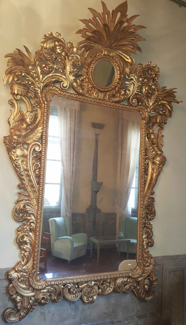 XVIII CENTURY ITALIAN MANUFACTURE Imposing wall mirror