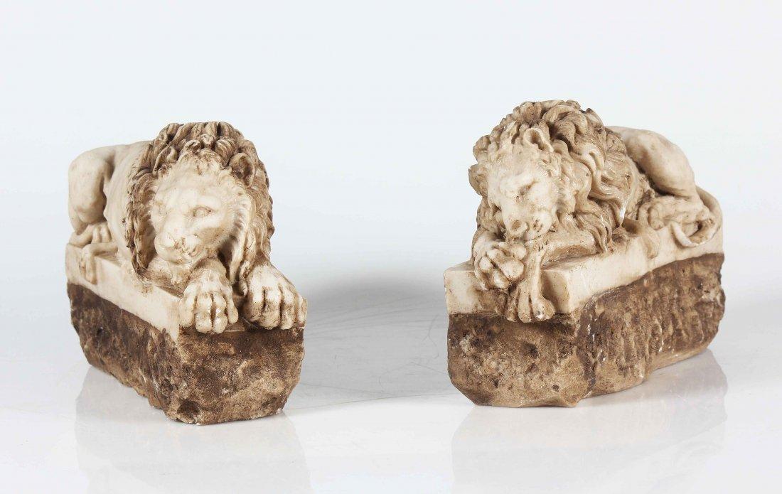 XIX CENTURY ITALIAN MANUFACTURE Pair of marble lions.