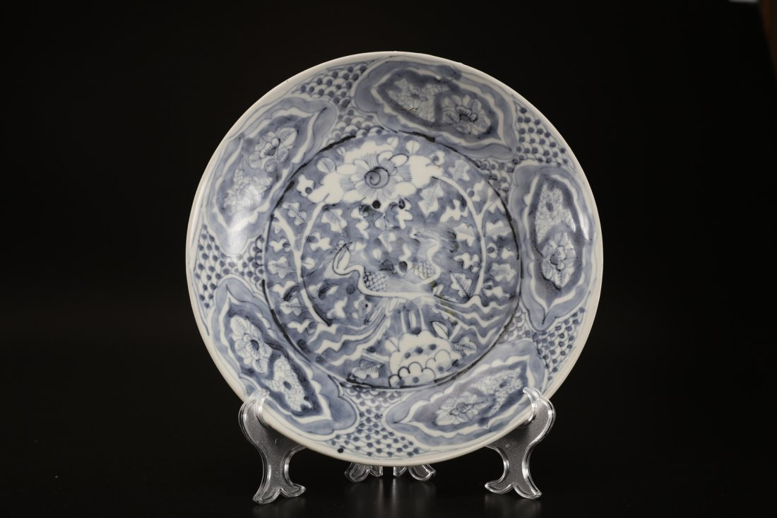 Arte Cinese A large blue and white Swatow dish painted